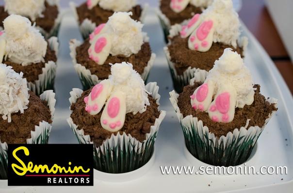 """Bunny Butt Cupcakes"""